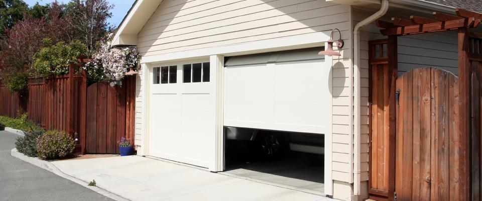 garage doors camberley